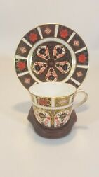 6 Royal Crown Derby 1128 Xlvi Old Imari 5.75 Saucer Dishes And 1 Tea Cup