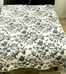 Pb Black And White Floral Quilt Full / Queen Reversible Cotton. Photo Display