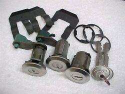 Nos Ford Bronco Rear Power Electric Tailgate And Matched Door Locks And Keys 78-91