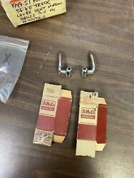 1949-51 Ford Car 56-60 Pickup Truck Lh And Rh Vent Window Handles Pair Nos Fomoco