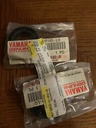 2-nos Yamaha 22w-23145-l0-00 Front Fork Oil Seals Yz80 Bw200 Bw350 Tw200 Oem