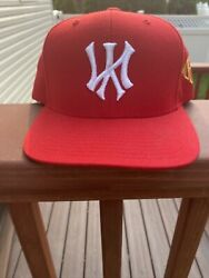 kill the hype Red Yankee Snap Back