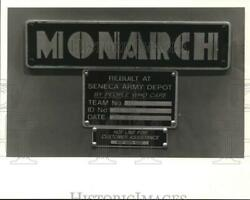 1987 Press Photo Monarch Arms Shed Production Label At The Seneca Army Depot