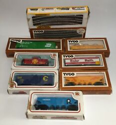 Vintage Ho Scale Tyco And Bachmann Train Cars And Tracks Lot Baby Ruth Santa Fe