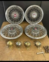 Set Of Vintage 80and039s Oldsmobile Real Wire Hubcaps With Locks And Key