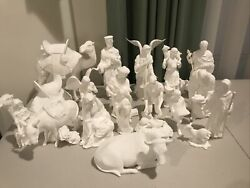 Lenox The Nativity 21 Piece White Porcelain Figurines With Wood Creche