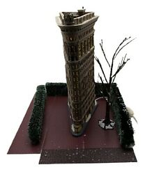 Dept 56 Christmas In The City Village Flat Iron Building Lighted House Plus