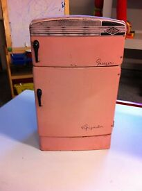 pink tin metal toy fridgedaire and washer