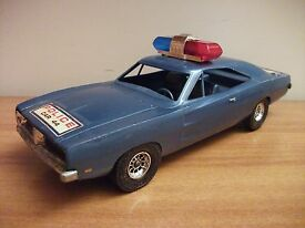 dodge charger 500 1969 plastica1 18 hazzard