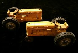lot of 2 antique international h tractor