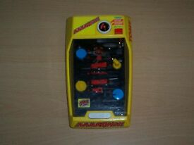 aaaaghh battery operated retro desktop game