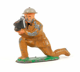 barclay lead soldier with camera
