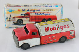 rare friction tin asahi toy mobilgas