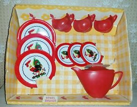 vtg 10 piece tin toy child rooster play set
