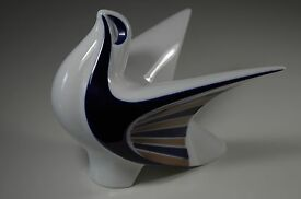 spanish porcelain modernist bird collectible