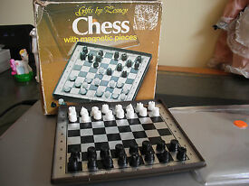 vintage 1975 matchbox magnetic travel chess