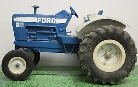 ertl 8600 ford tractor die cast 1 16 scale