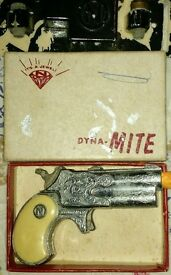 dyna mite derringer with original box