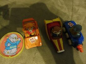 lot of 3 diecast toy cars shirt tales