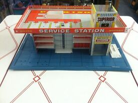 vintage tin litho 1960s service station