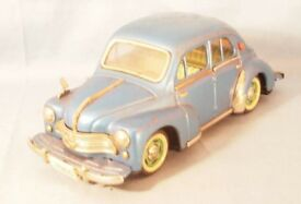tin toy 1960 made tin of renault 4cv