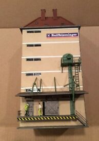 pola 1990 large industrial plant ho scale