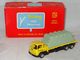 triang bedford bale transporter joe bloggs m