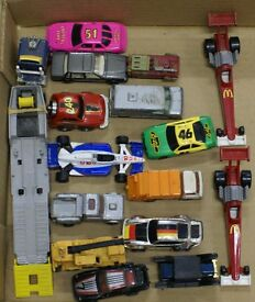 large lot of 16 1 64 vintage diecast cars