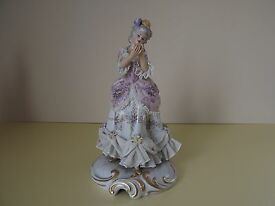 antique lady figurine with dresden lace l65