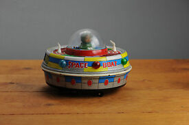 antique red china tin toy me780 space ufo