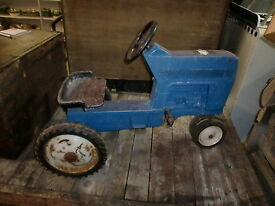 ford model no f 68 ertl pedal tractor
