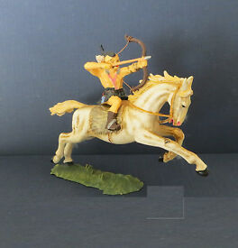elastolin 7cm hun warrior on horse plastic