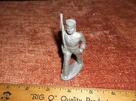 vintage manoil barclay aluminum toy soldier