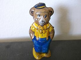vintage tin wind up toy bear works good