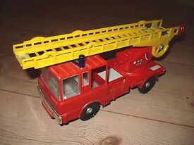 plastic model car fire ladder chief vehicle