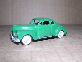 2027 1941 plymouth coupe green h o gauge