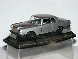 m305 mercedes benz 250 coupe silver 1 43