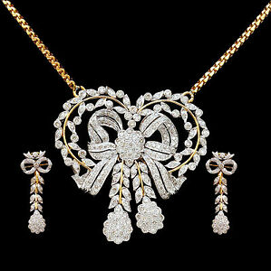 Designer Pendant Set With Gold Chain in 18k Gold With Natural White Diamonds