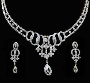 Fine 18k Yellow Gold Designer Necklace Set with VS Quality 9.93 carat Diamonds