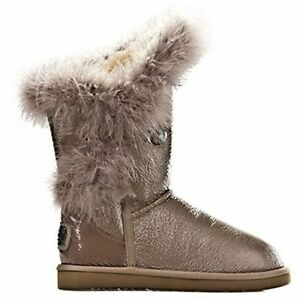 Australia Luxe Women's Nordic Feather Short Taupe Boots 568910 E