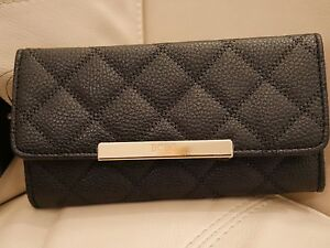 NEW WT WOMEN'S BLACK QUILTED LEATHER BCBG WALLET TRIFOLD GOLD W11723