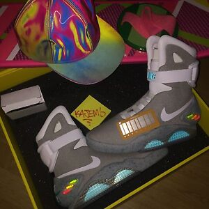 �� NIKE MAG UK 8  US 9  BTTF BACK TO THE FUTURE MARTY MCFLY YEEZY AIR MAGS ��