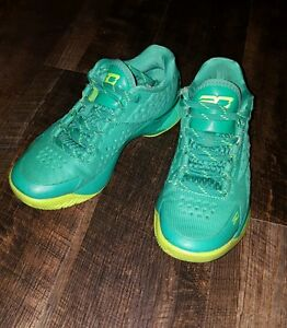 Boys Under Armour Steph Curry basketball shoes size 5Y