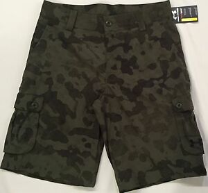NWT youth BOYS' YLG large UNDER ARMOUR athletic shorts GOLF cargo loose CAMO