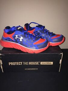 Under Armour Boys Spine Surge Shoes Youth Size 2 New In Box