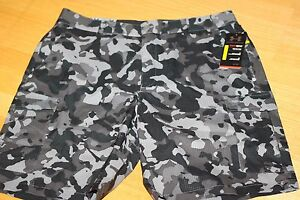 Mens Under Armour Golf Shorts 1253406 Camo size 34 Loose Fit