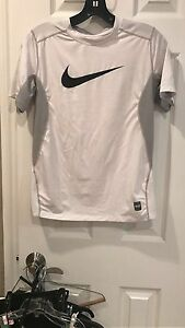 Nike Pro Combat Fitted Dry Fit Shirt For Boys Size Youth Large