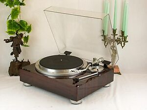 Victor QL-A75 Quartz-Locked Auto Lift Up Direct-Drive Turntable