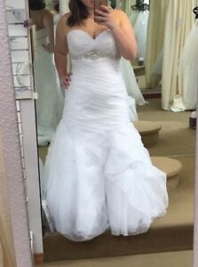 Allure Romance Wedding Dress. Fits size 16! White New with tags!