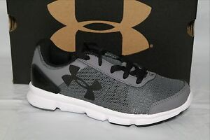 UNDER ARMOUR BPS SPEED SWIFT BOYS SHOESIZE 1Y1.52 GRAPHITEWHBLK1266303 040